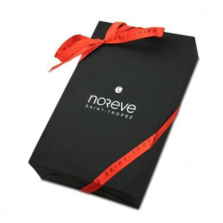 livr dans un emballage cadeau pour offrir. Black Bedroom Furniture Sets. Home Design Ideas
